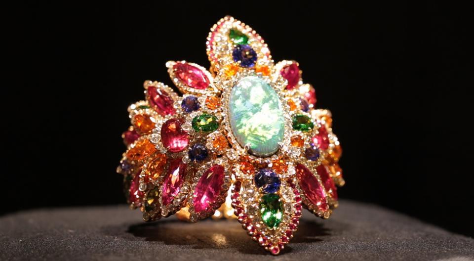 dior jewelry, dior jewellery, gemstone jewelry, gemstones jewelry, luxury jewelry designs, elajoyas