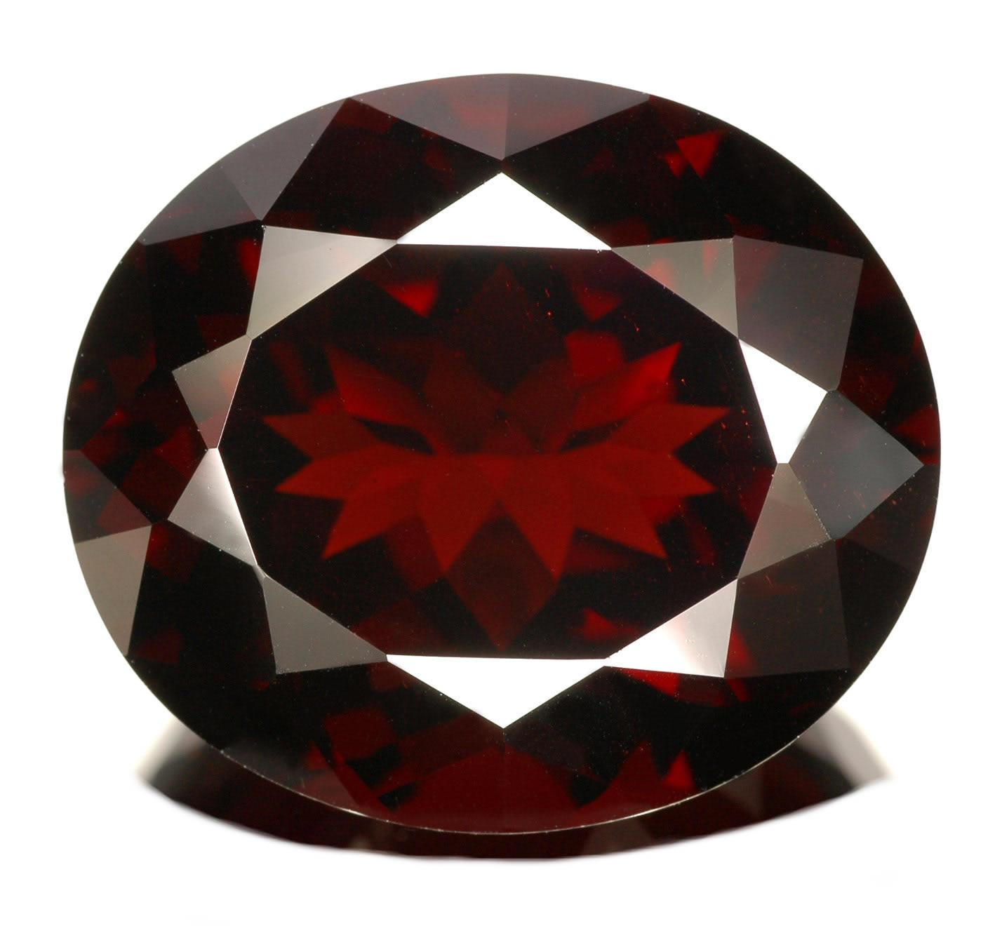 Garnet Gem Luxury jewelry for pas...